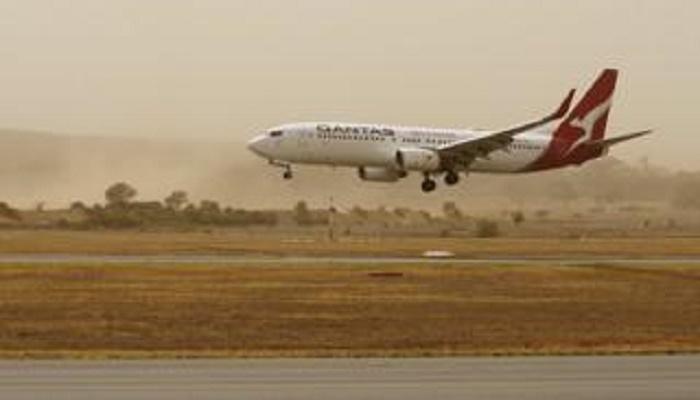 Australia fires: Canberra Airport shut down as blazes intensify