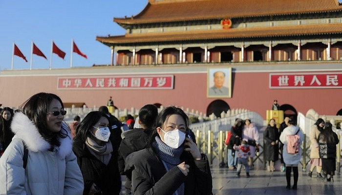 Coronavirus: Anxiety rises as Chinese city goes into lockdown