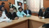 BNP's mayoral candidate Ishraque seeks blessing from DU vice chancellor