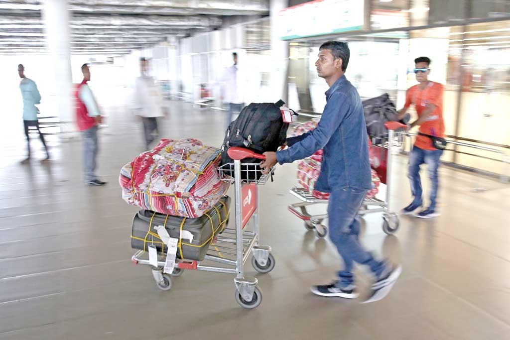217 more Bangladeshi workers sent back from KSA