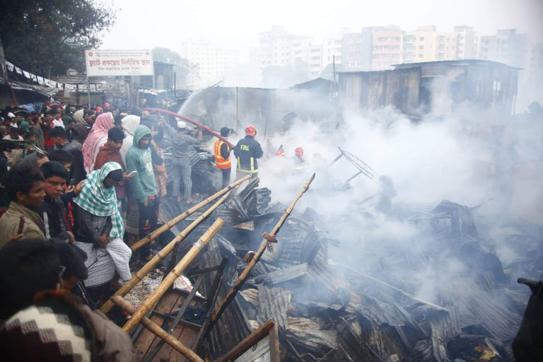 Mirpur slum fire doused, 2 sustain burn injuries