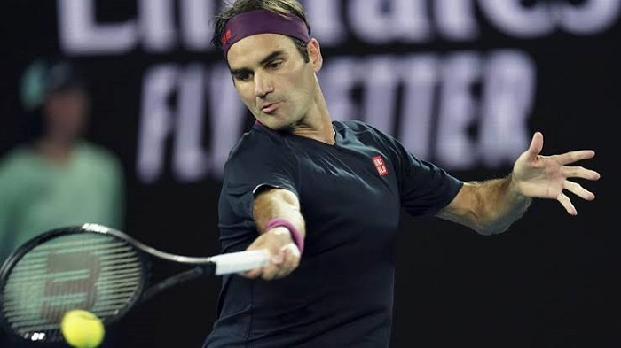 Federer survives five-set epic at Australian Open