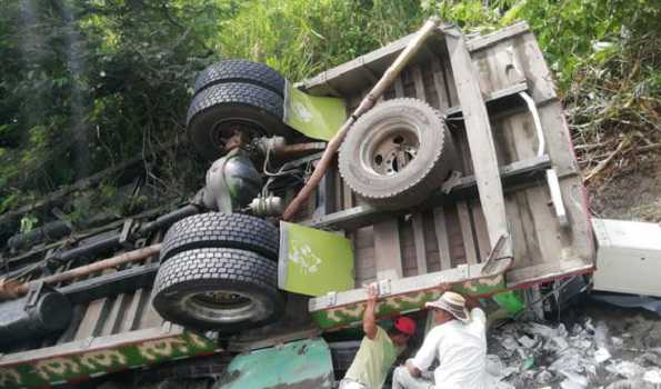 Nine dead after bus accident in Colombia