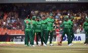 Pakistan restrict Bangladesh to 136/6 in must-win second T20I