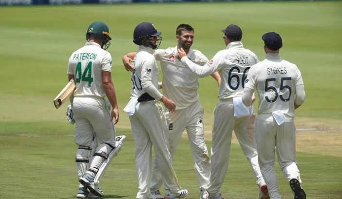 England lead by 217 runs as Wood ends South African resistance