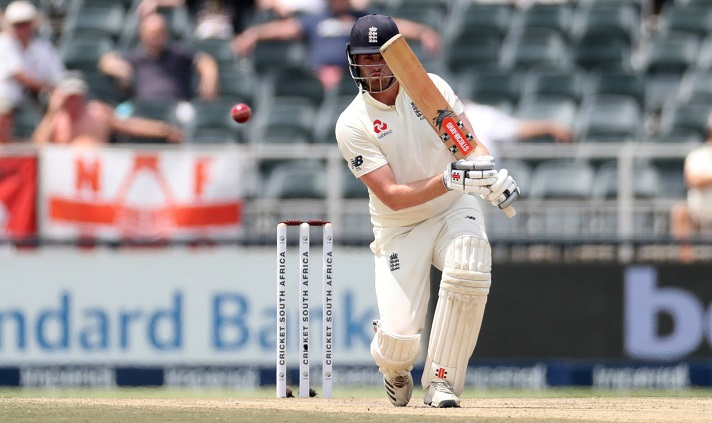 England stretch lead after batting again
