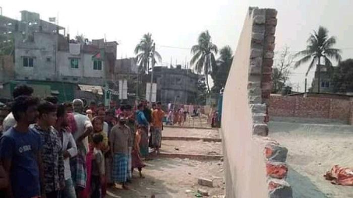 Two killed in Keraniganj wall collapse