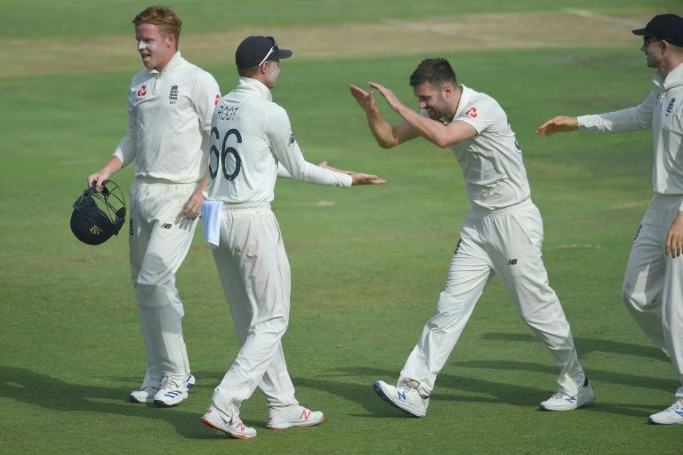 Wood stars as England eye series victory over toothless South Africa