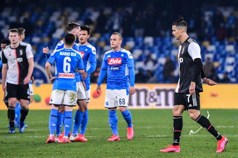 Struggling Napoli shock Sarri's Serie A leaders Juventus