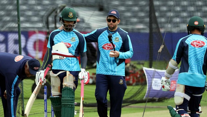 McKenzie disappointed with Bangladesh batsmen's lack of intent