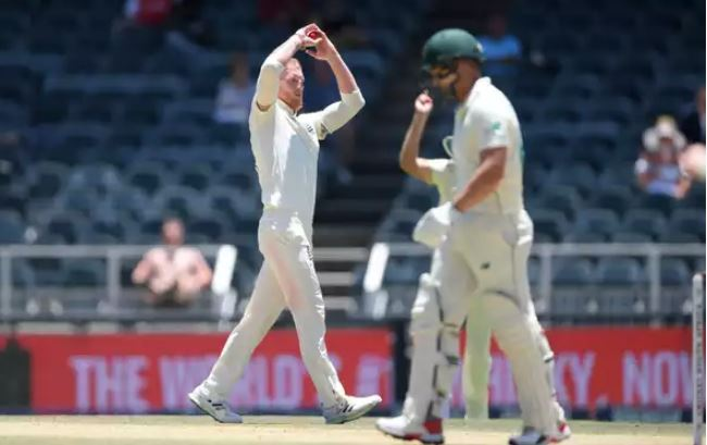 South Africa lose two in steep chase