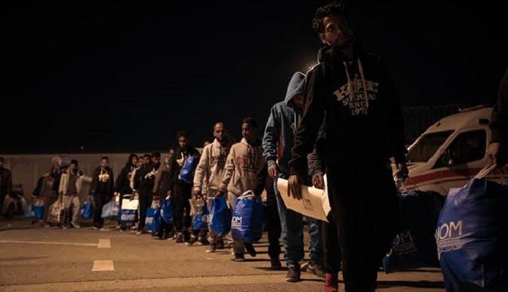 IOM helps 148 Bangladeshi migrants return home safely from Libya