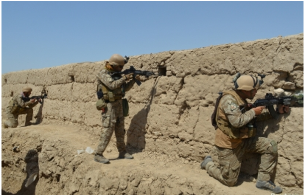 Afghan forces free 62 soldiers from Taliban prison