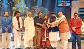 Rafiqul Alam, Fakir Alamgir honoured at Channel i Music Awards