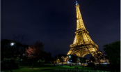 Eiffel Tower's special light show that takes place once a day
