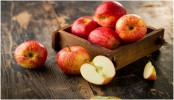Know lesser-known facts about apple and make your skin glow