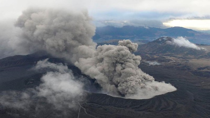Volcano erupts on southwestern island in Japan