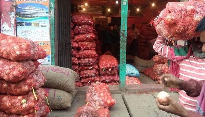 Onion prices rose 80pc compared to 2019 in Dhaka's kitchen markets