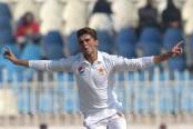 Shaheen's double rattles Bangladesh to 95-3 in first Test
