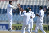 Jayed strikes twice as Pakistan reach 95-2 at lunch