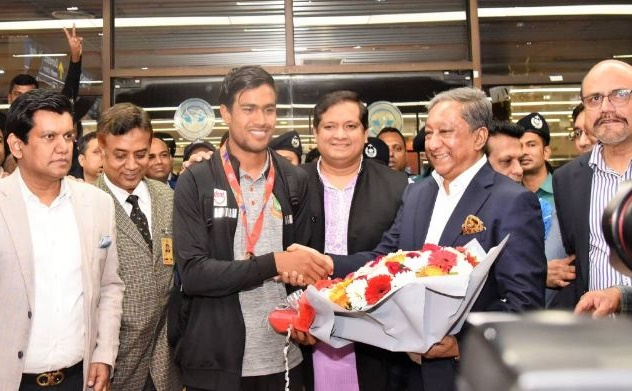 World Champions Young Tigers return home