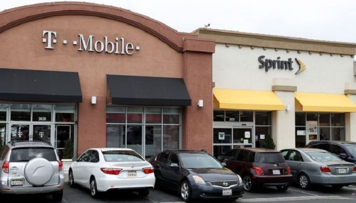 US telecoms giants T-Mobile get $26bn takeover green light