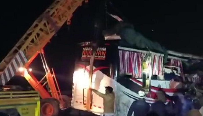 14 killed in bus-truck collision in Uttar Pradesh's Firozabad