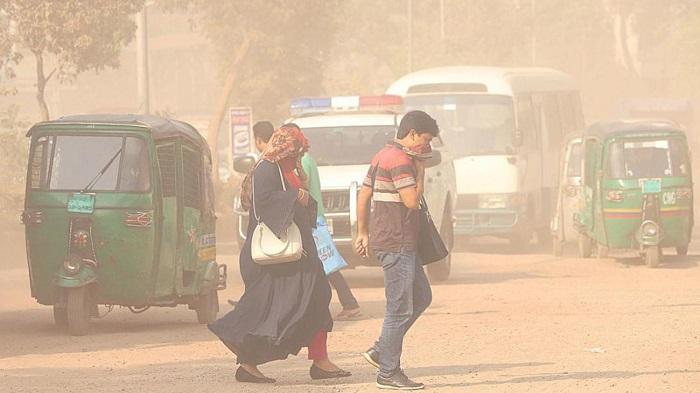 Toxic air choking Dhaka, it hits worst level again