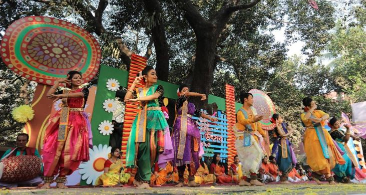 Things heating up as Pahela Falgun, Valentine's Day revellers out to celebrate