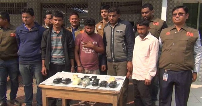 Five held with 25,000 Yaba pills in Cumilla