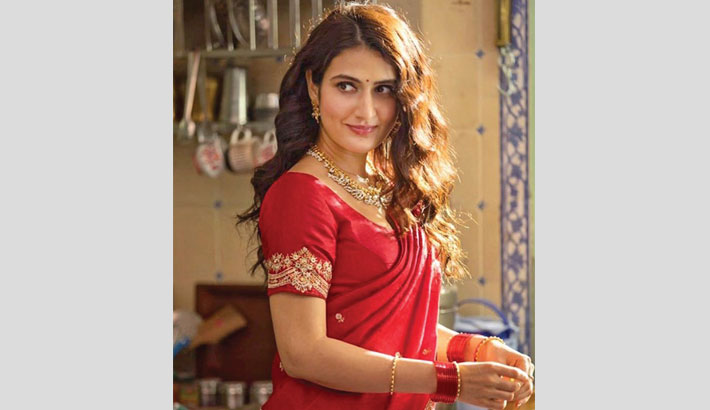 Fatima nails Marathi look in 'Suraj Pe Mangal Bhari'