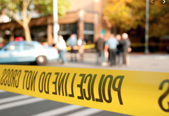 6 wounded in shooting at Chicago apartment complex