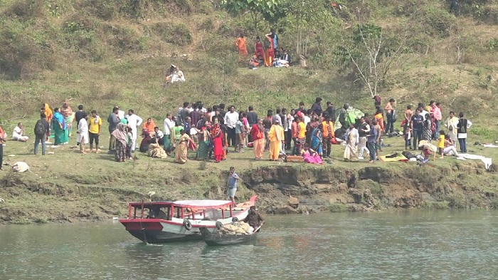 Search for missing tourists in Kaptai lake boat capsize continues