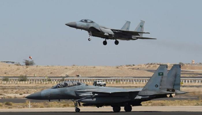 Air strikes on Yemen kill 31 civilians after Saudi jet crash