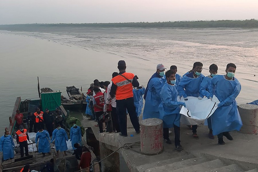 Cox's Bazar trawler capsize: 2 more bodies recovered from Bay