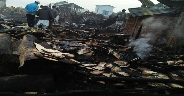Elderly woman dies in Khulna fire