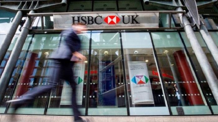 HSBC signals mass job cuts as profits plunge