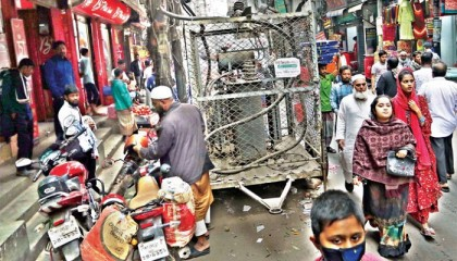 Power transformers inviting danger for city dwellers