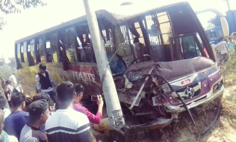 Bus-truck collision leaves 2 dead in Cox's Bazar