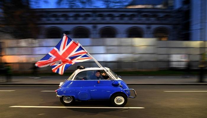 Critics slam UK post-Brexit immigration plans