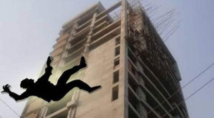 Teenage girl dies falling from building in city