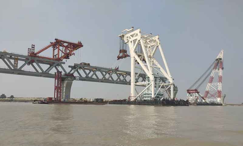 25th span of Padma Bridge being installed