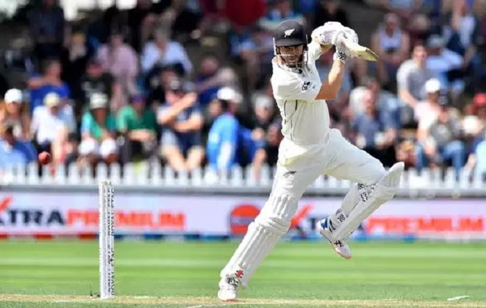 Williamson helps New Zealand cut the deficit