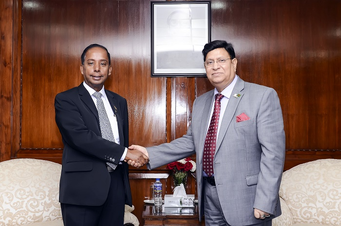 Malaysian Minister for Human Resources calls on Bangladesh Foreign Minister