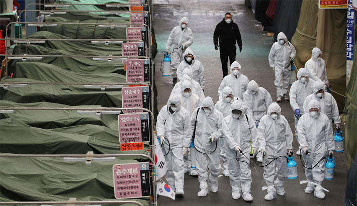 3rd death from Japan ship as new cases raise quarantine doubts
