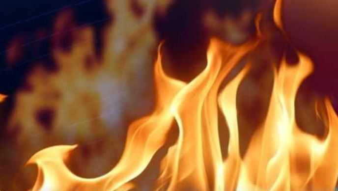 Six of a family injured in Sirajganj gas leakage fire