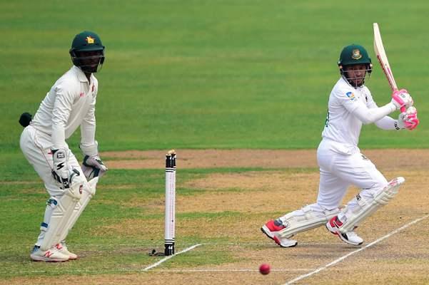 Mominul departs but Mushfiqur puts Bangladesh on top