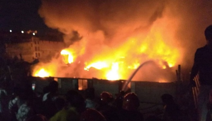 Fire catches Siddique Bazar factory in capital