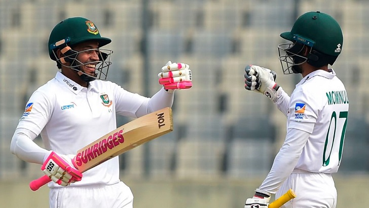 Mominul, Mushfiqur pile on runs as Bangladesh lead Zimbabwe