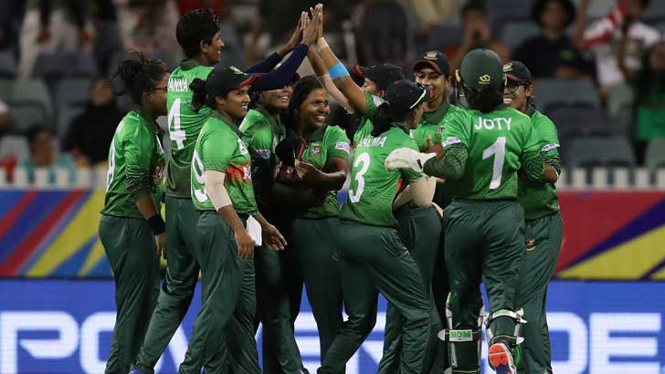 Bangladesh need 143 to win T20 WC opener against India